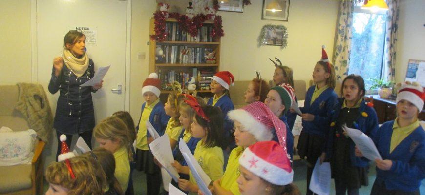 Choir Visit Kentwyn's residential Home